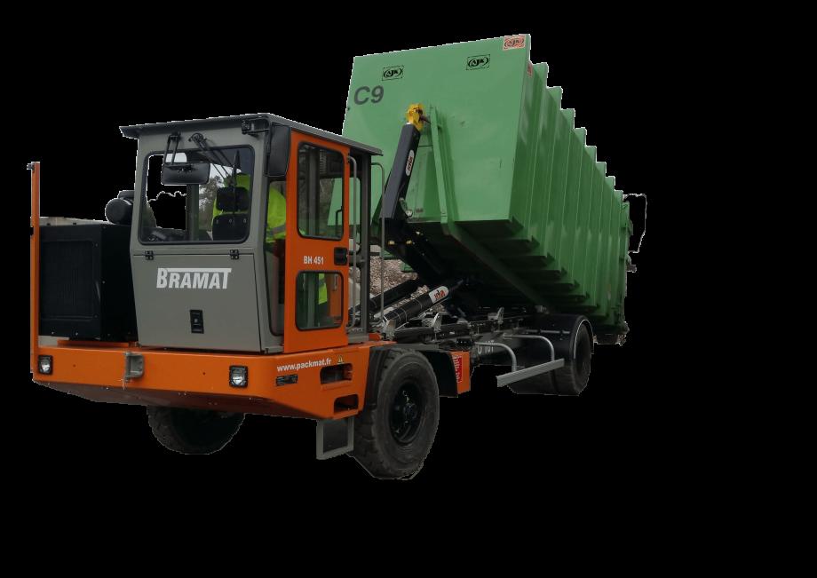 Bramat engin de manutention pour benne de déchèterie et Manutention de caissons jusqu'à 20 tonnes Remorques 80 tonnes 8 essieux directeurs Manutention de conteneurs maritimes